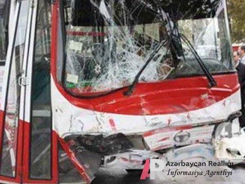 Xırdalanda sərnişin avtobusu aşdı, 9 YARALI VAR