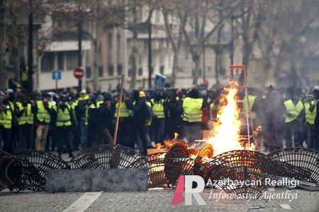 Bu qış Avropada çox isti olacaq: Parisdə sarı jiletlilərin üsyanında saxlanılanların sayı 1700-ü ötdü